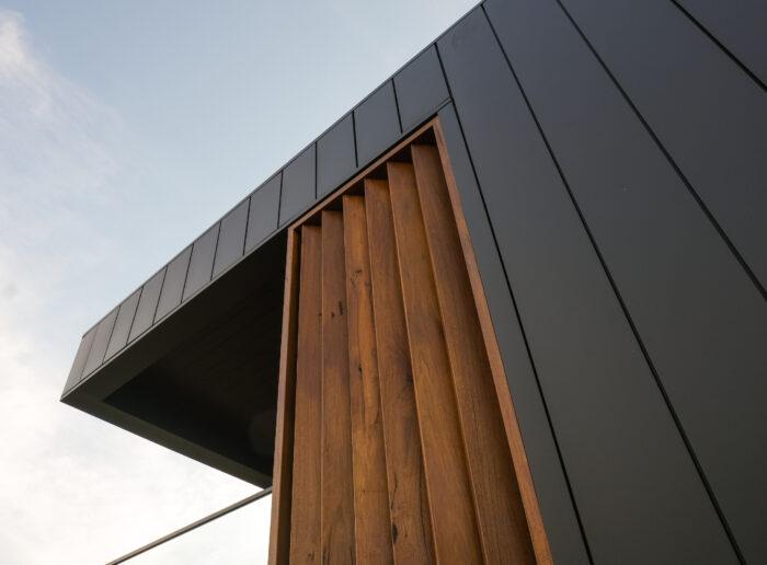 Interlocking Panels Give Seaforth Property a Sleek Modern Look